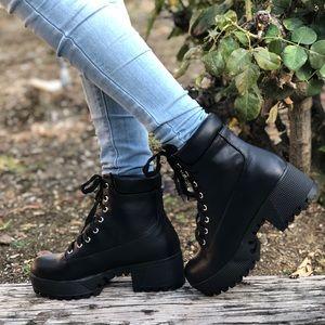 Last1♥️Vegan Chunky LUG Sole Lace Up Combat Boots